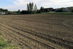 Ponúkame pozemok pre rodinné domy 18741m2 Paňa
