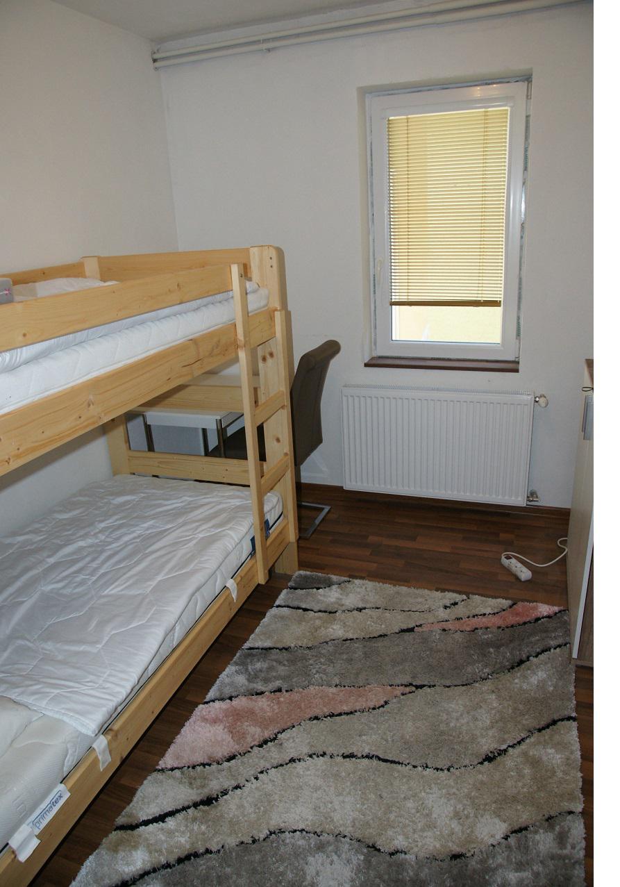 Ponúkame na prenájom 6 izb. RD, Nitra - Drážovce
