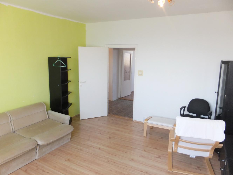 AKTUÁLNY PRENÁJOM! Veľký 3-izb. byt s loggiou v Nitre