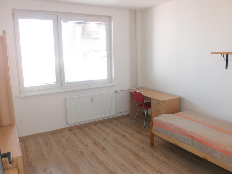 Aktuálny prenájom - 4 izb byt 100m2 v Nitre